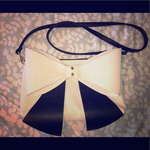 Betsey Johnson Shoulder Handbag Purse Bow Tan/Blck